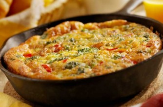 Broccoli-red-pepper-and-cheese-frittata (1)